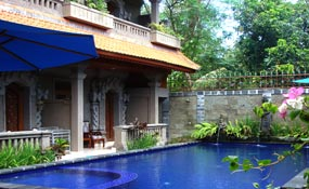 puri-dewa-bharata-jimbaran-pool